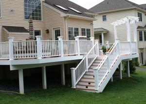 composite_deck_with_Pergola_in_Maryland