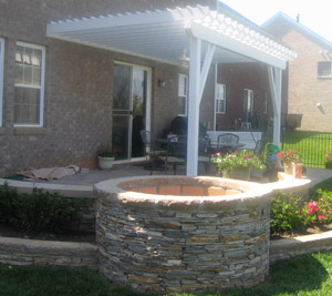 Montgomery County MD fire pit with built in hardscapes